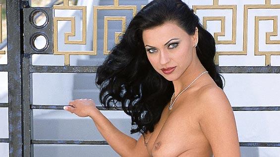 Denise  nackt Nikita Nikita Denise