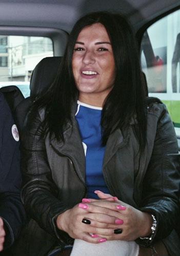 Mega thicc und vollbusige Latina Ella Knox VS BBC