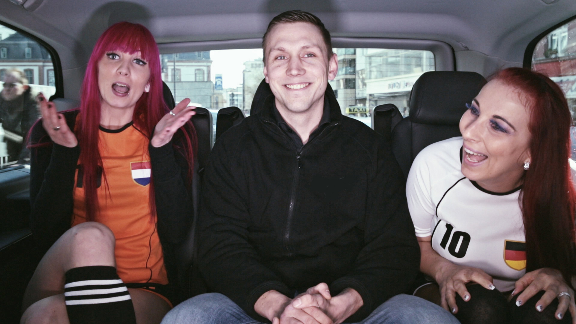 Visit-X-Taxi 7 | Beate-Uhse.TV