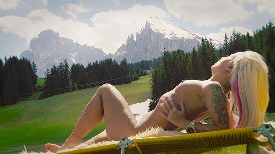 Angi Knox Nackt
